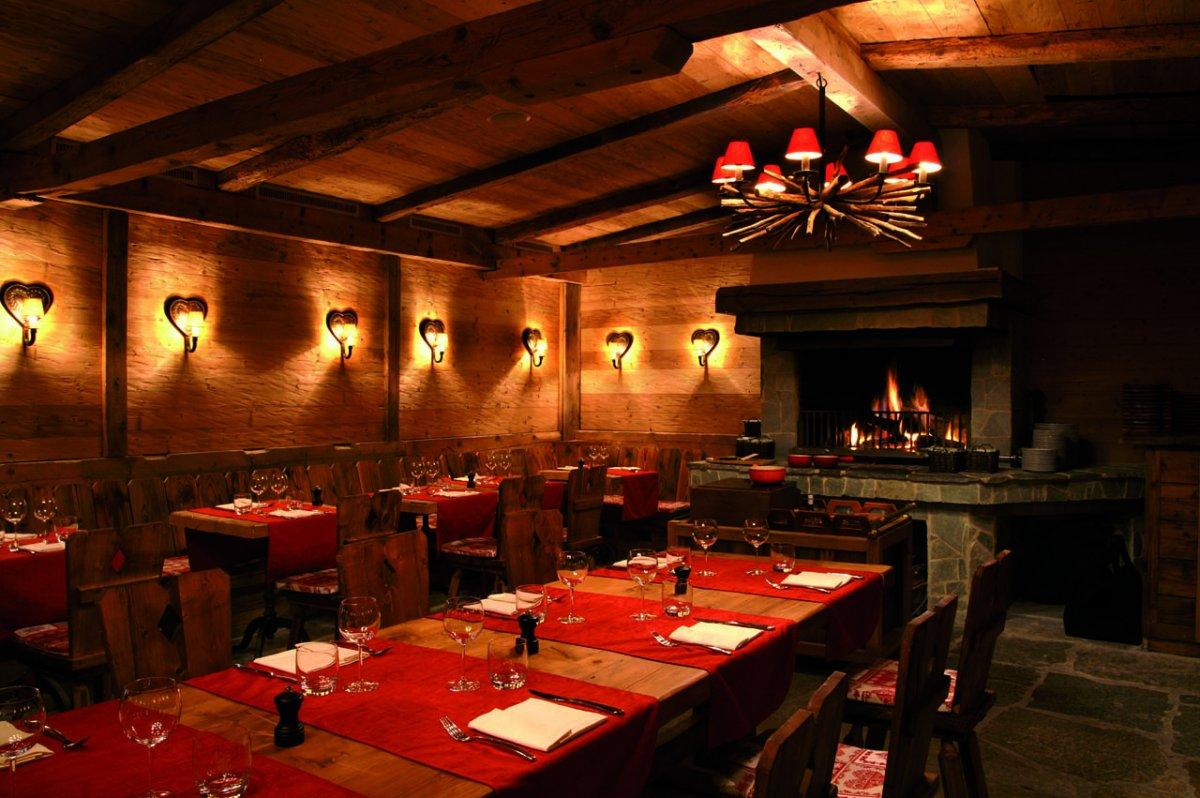 Lifestyle hotels chalet royalp h tel spa schweiz for Restaurant le rex